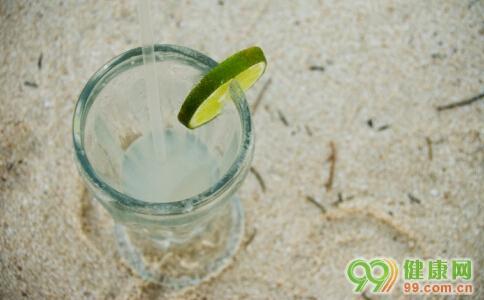 蜂蜜柠檬水的做法,自制柠檬蜂蜜水的方法