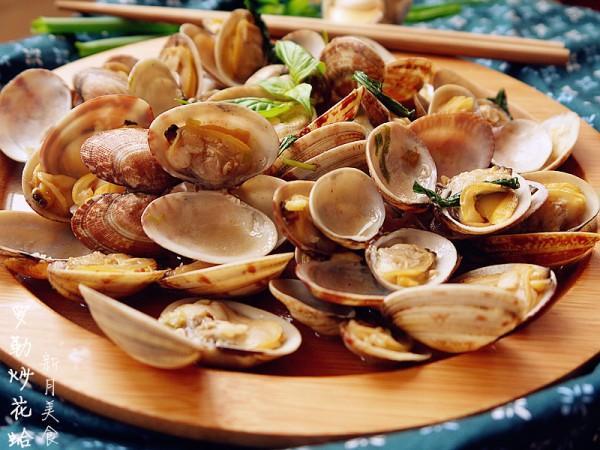 罗勒的吃法,海鲜恋上香草----罗勒炒花蛤