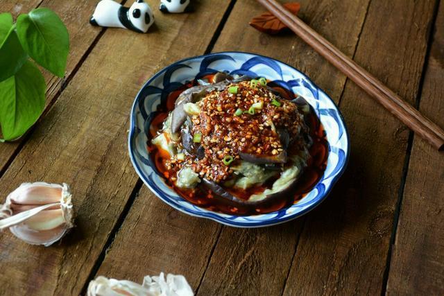 拌茄子的家常做法,凉拌茄子,厨房小白一看都会做的下饭菜