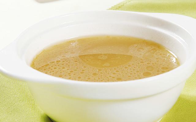 牛骨汤的做法,做西餐必须会的牛骨高汤做法 跳动舌尖上的美味