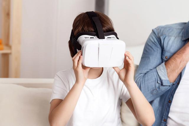 儿童vr,专家:VR设备会对儿童造成伤害吗?