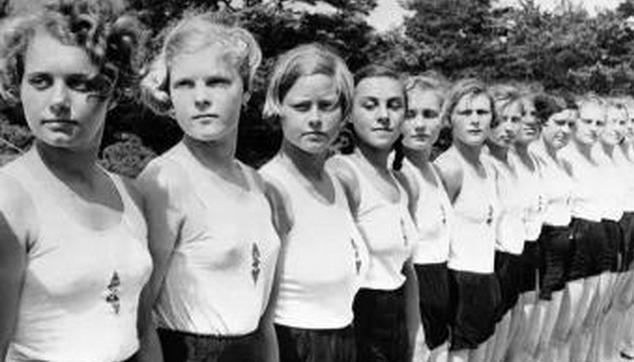 """纳粹婴儿师,震惊世界的纳粹党卫军""""婴儿师"""":奶瓶与子弹齐飞!"""