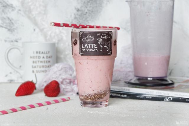 奇亚籽的吃法,奇亚籽草莓奶昔#松下多面美味#