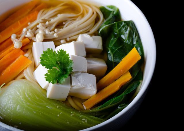 海带怎么做好吃,东盛澜丨如何泡发干海带?干海带怎么做更美味?