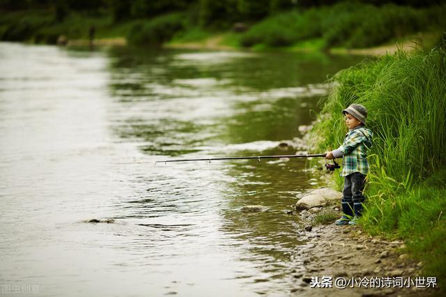 描写牧童的诗,《小儿垂钓》:向借问路人遥招手的牧童,并不冷漠