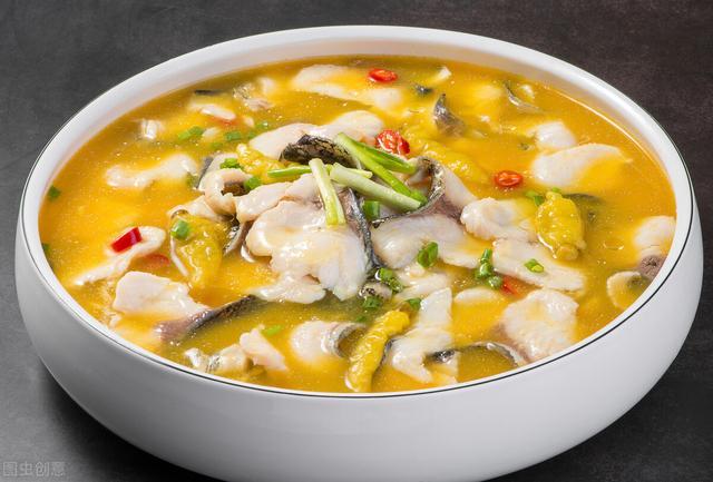 炖草鱼的做法,教你做营养美味的草鱼炖豆腐,汤汁奶白浓郁,味道真香