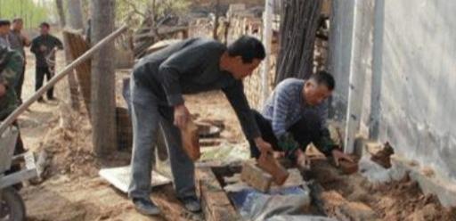 """怎么做砖,农村建房时,""""砖砌的化粪池""""怎么做?听完内行人的分析,明白了"""