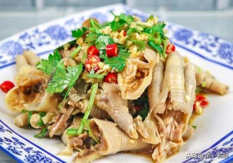 鸡爪的吃法,大厨分享凉拌凤爪新做法,香辣筋道,下酒必备,端上桌大家都爱吃