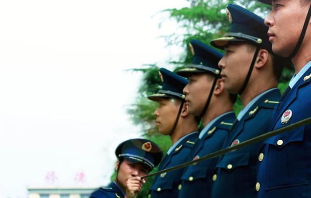 报考军校的条件,想要报考军校,这四个条件缺一不可
