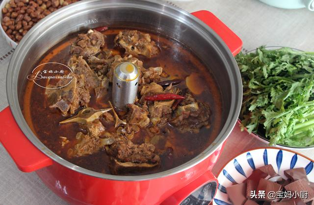 羊肉火锅的做法及配料,羊蝎子火锅,自己在家做,味道不输火锅店,肉嫩味道正,经济实惠