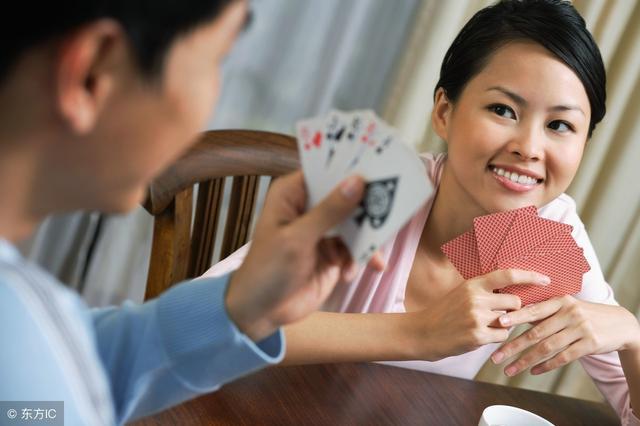 属狗属猪,天生不适合打牌,十赌九输的3大生肖,有你吗?