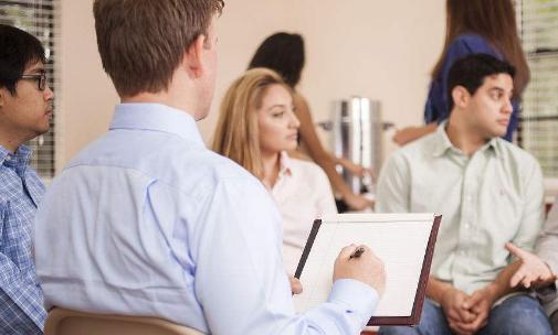 心理咨询师成绩查询时间,2021年该考心理咨询证书还是健康管理证书?