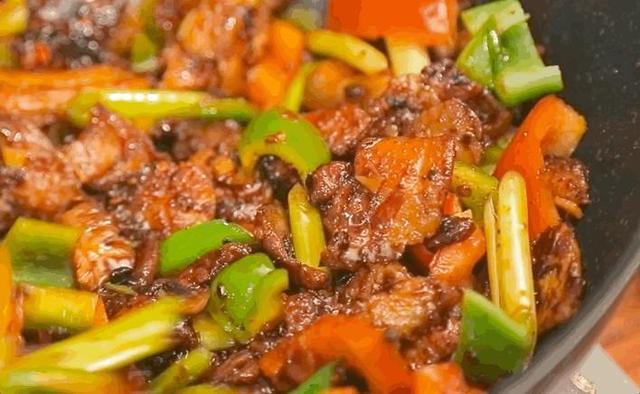 回锅肉的做法,经典川菜:回锅肉的家常做法