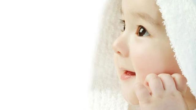 婴儿用什么,婴儿专用就是智商税?这些东西还真要买专用的