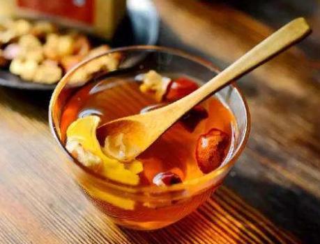 茶的做法,三伏天将至,红枣和生姜这样做,每天坚持喝一杯,赶走湿气度夏