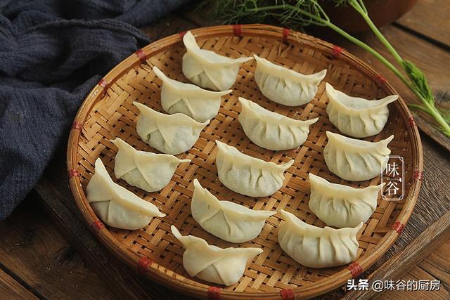 饺子馅有哪些,调饺子馅,牢记3放3不放,不管什么馅的饺子,鲜嫩多汁特好吃