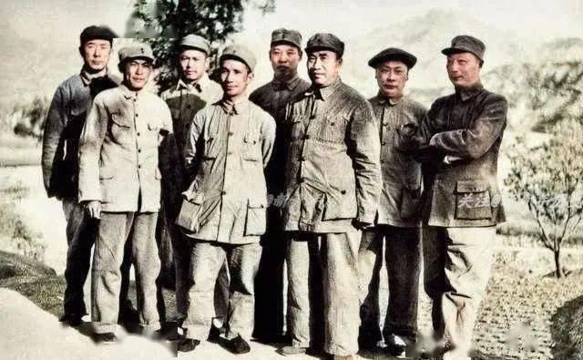 肖的名人,十大元帅仅五位参加南昌起义:朱德请敌人吃饭,林彪只是小小连长