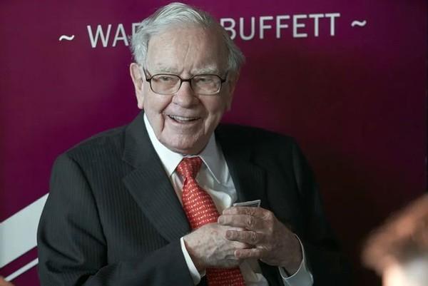 """巴菲特投资比亚迪,""""比亚迪""""一举成为巴菲特投资组合中的前十——太""""牛""""了"""