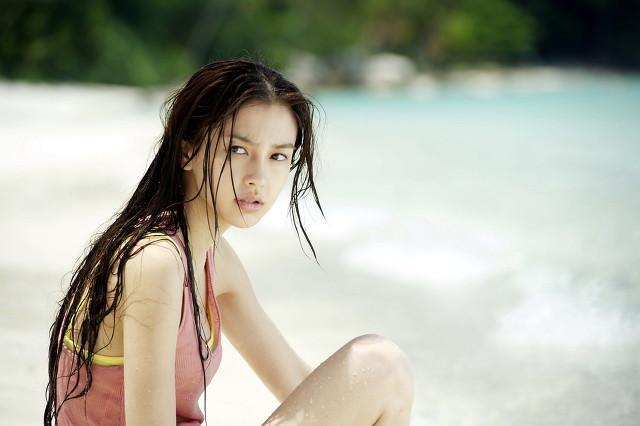 私人沙滩偶遇Angelababy 和小海绵 全球新闻风头榜 第2张