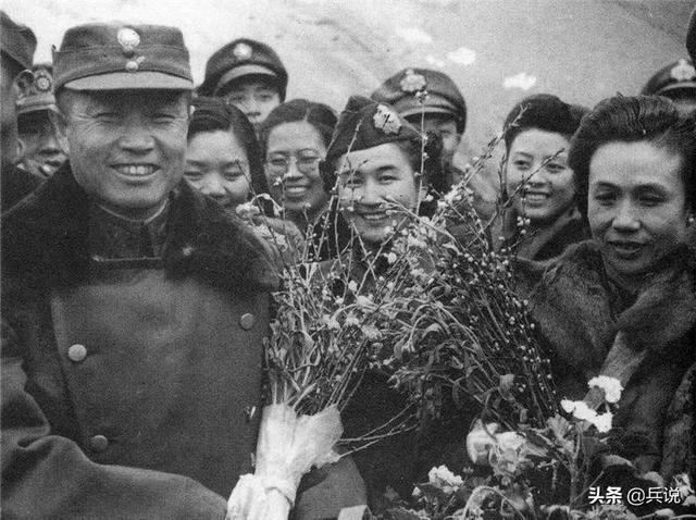 林彪简介,哈尔滨市长李天佑击毙林彪?杜聿明密报蒋校长,报纸出大笑话
