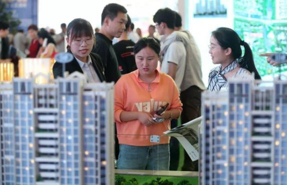 多少家中借助住房贷款才可以买起房?