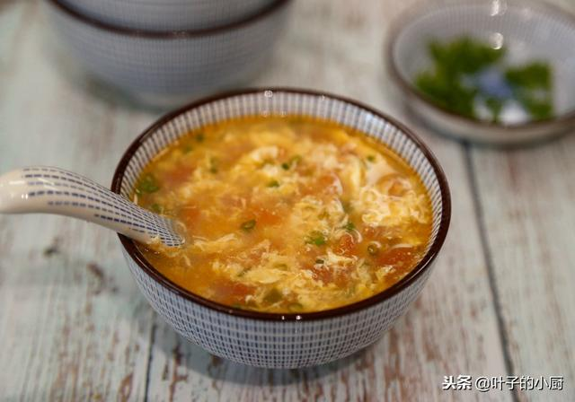 西红柿鸡蛋汤的做法,完美西红柿鸡蛋汤,很多人第一步都错了,30年私家小厨秘笈做法!