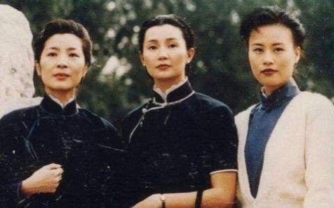 宋氏三姐妹简介,宋庆龄宋美龄姐妹为何终生未育?并非不想要,而是有无奈的苦衷
