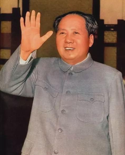 臧克家的诗,毛主席已经佚失的一首诗,仅流传下两句,气势恢宏,至今无人能续