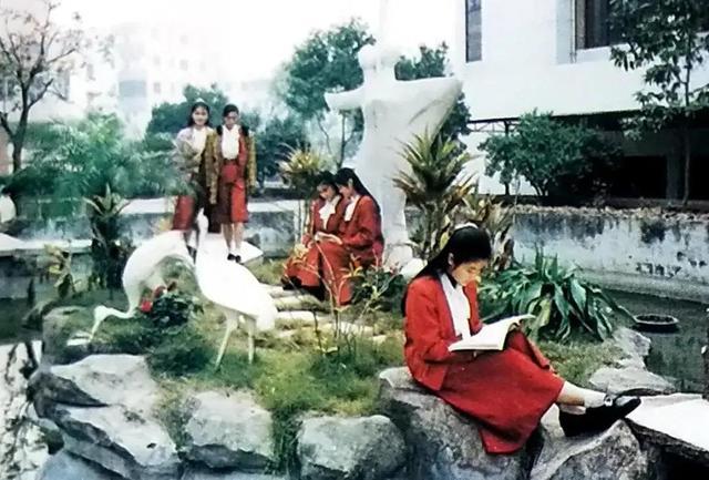 广西中专学校排名,1988年,国家教委表彰145所中等师范学校,有你的母校吗?