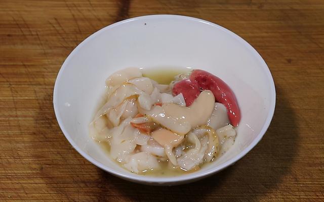扇贝的吃法,教你做道高颜值的拿手菜,蒜蓉粉丝蒸扇贝,肉质鲜嫩,色香味俱全