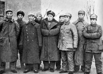 姓韩的名人,隐形将军韩练成,18年只敢一个人睡,1950年神秘失踪