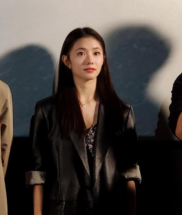 刘浩存在首映礼大哭,原来是心疼张艺谋,导演演戏太敬业曾被烧伤 全球新闻风头榜 第1张