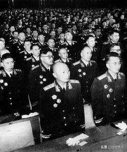 姓曾的名人,革命历史人物:曾昭墟,曾任副军长,1964年晋升为少将军衔