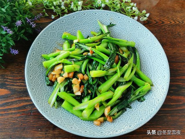 菜心的做法,生炒菜心怎么做才好吃?不用焯水,这个材料不能少,又绿又脆又香