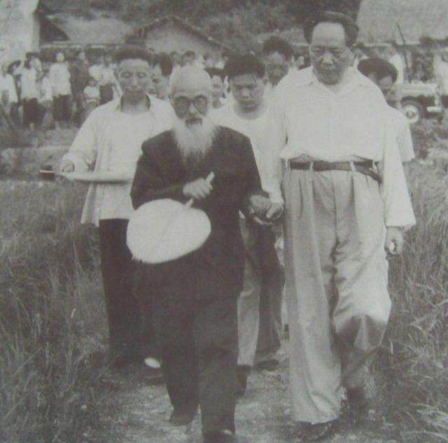 姓曾的名人,木匠张有成曾智救毛泽东,建国后写信称没有酒喝,毛主席暖心安慰