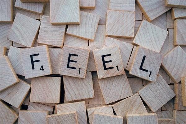 很累的句子,感觉很累很无助的说说,总有一句刺痛你的心!