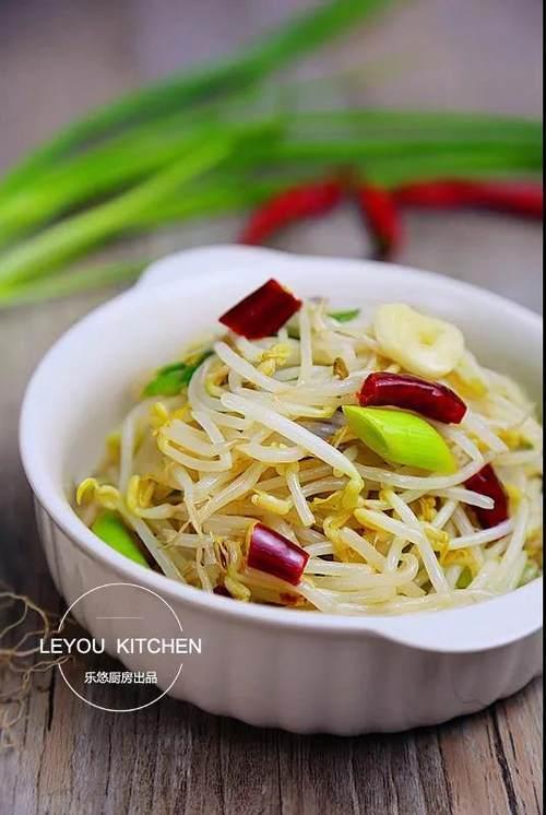 绿瓜的吃法,两三块钱就能买不少的绿豆芽,教你6种吃法,美味又爽口