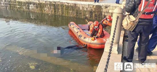 淄博临淄太公湖内发现一男尸 身份不明已移交警方