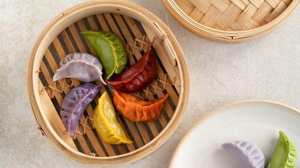 煎饺的做法,如何做出美到能卖的彩色饺子?