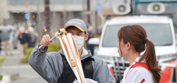 东京奥运火炬又灭了:圣火传递两天,已意外熄灭两次 全球新闻风头榜 第1张