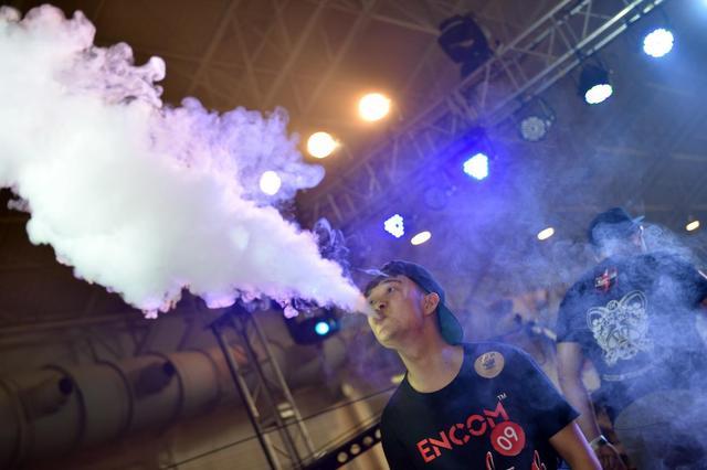 谁应当来管控电子蒸汽烟?