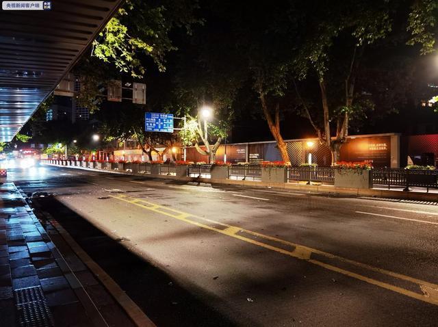 深夜,南京警方通报男子驾车撞人并持刀捅人案:碾压前妻后刺伤路人 全球新闻风头榜 第1张