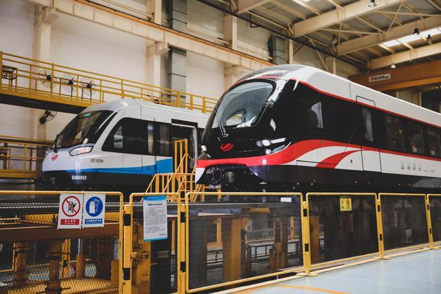 磁悬浮列车图片,全球首条140km/h中低速磁浮列车长沙上线,长沙磁浮快线正式提速运营
