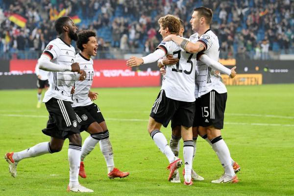 足球丨世预赛:德国胜罗马尼亚 全球新闻风头榜 第5张