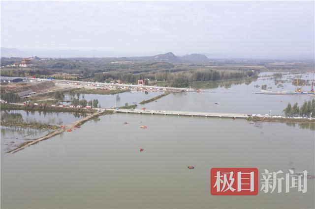河北平山县落水大巴已打捞出水,车身挤压变形,车头受损严重 全球新闻风头榜 第3张