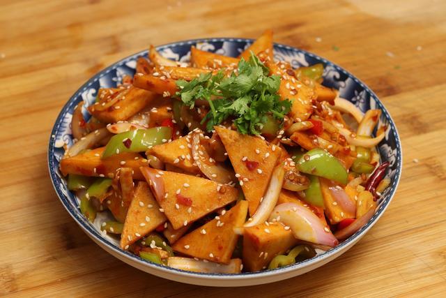 千叶豆腐的做法,天热没胃口,全家就馋这道菜,香辣美味又下饭,比吃肉都过瘾