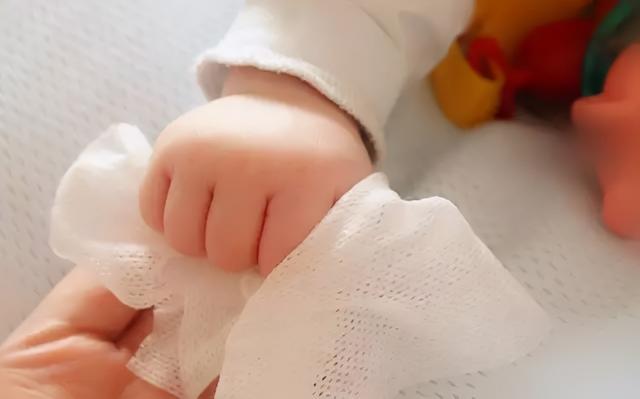 婴儿湿巾,长期给宝宝用湿巾,有什么危害?