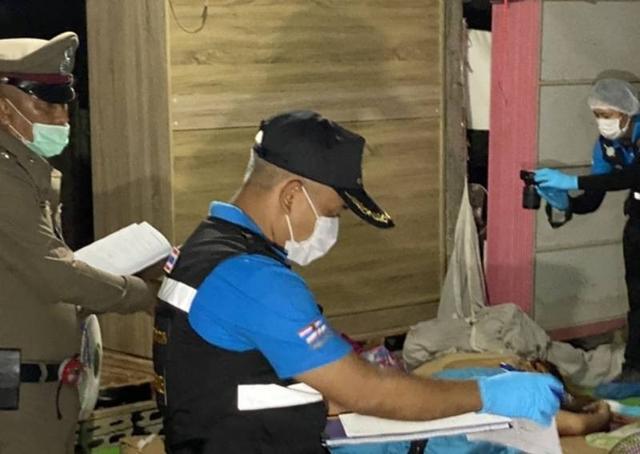泰国女子拒给丈夫买酒被枪杀,死后手中仍紧攥纸钞,婴孩在身旁哭 全球新闻风头榜 第2张