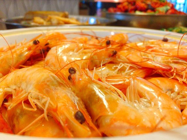 白灼虾的做法,才知道,白灼虾要煮几分钟,大厨:牢记这3点,虾肉鲜嫩无腥味
