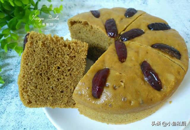红糖的各种吃法大全,早餐吃啥不用愁,1碗面粉加半碗红糖水一搅,一蒸,比蛋糕还好吃
